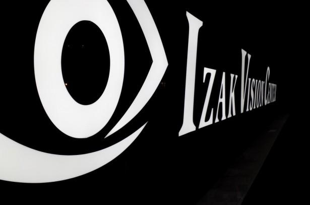 Izak Vision Center